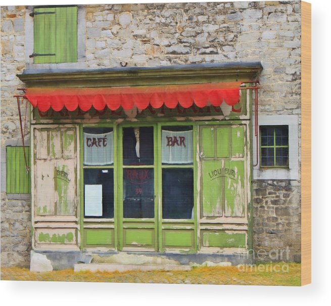 Le Cafe Bar Wood Print featuring the painting Le Cafe Bar by Safran Fine Art