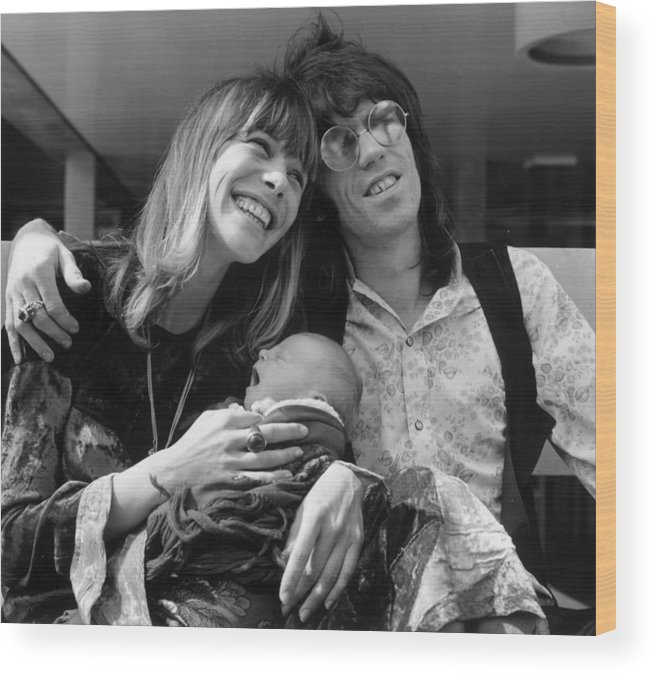 Rock Music Wood Print featuring the photograph Keith And Anita by John Minihan