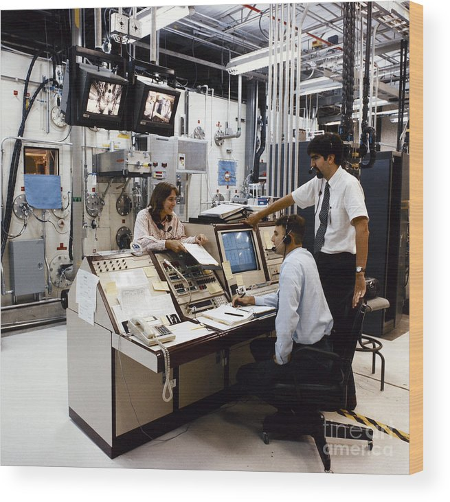 1996 Wood Print featuring the photograph Nasa Research 1996 by Granger