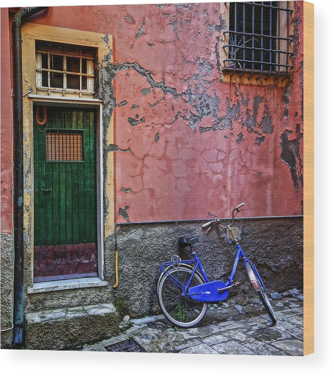 Blue Wood Print featuring the photograph Blue Bicycle Monterosso Italy Dsc02592 by Greg Kluempers