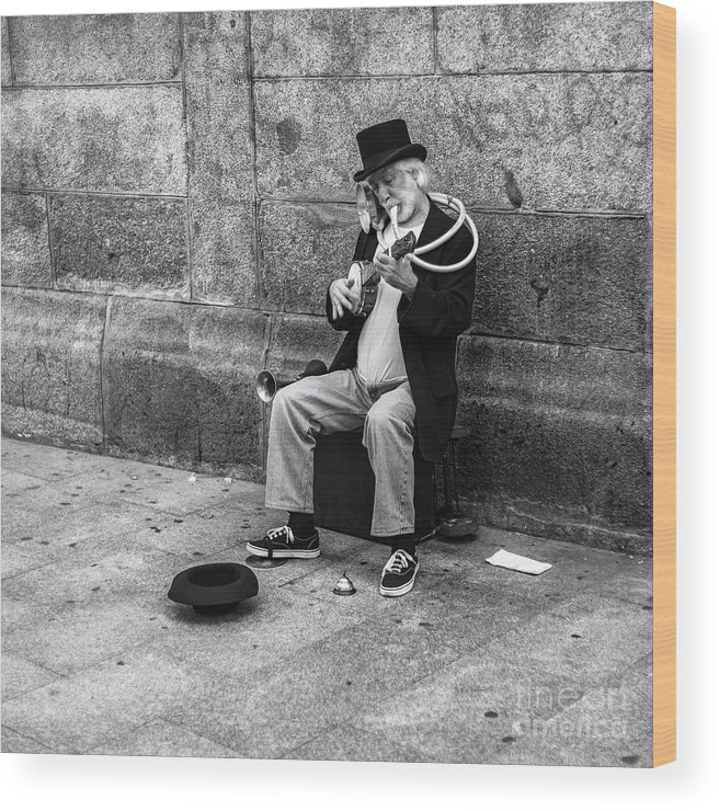 Wood Print featuring the photograph Musicman by Eugenio Moya