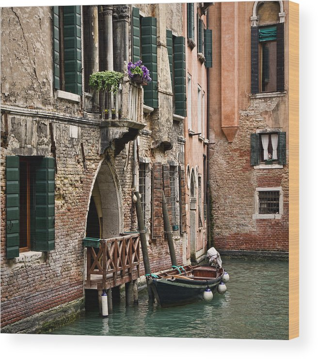 Venice Wood Print featuring the photograph Parking Space by Maico Presente