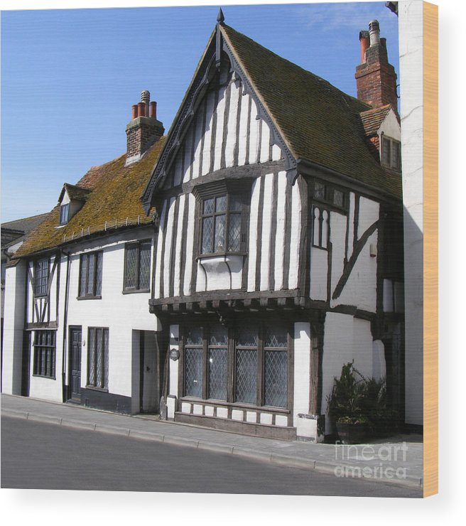 Old Court Hall Hastings Wood Print featuring the photograph The Old Court Hall Hastings by Terri Waters