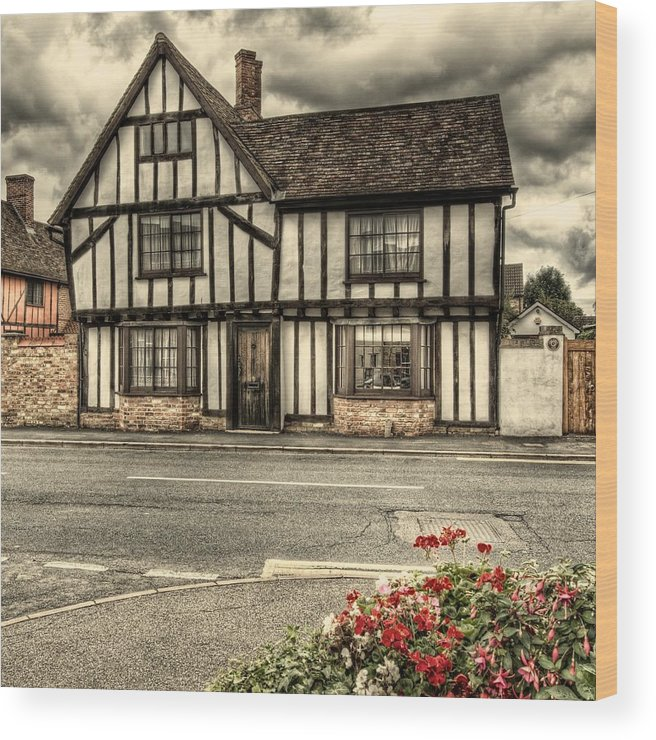 tudor House Tudor oak Beams cottage With Oak Beams Historic historic House old Country House 1600 & English Tudor House Wood Print by Martin Bryers