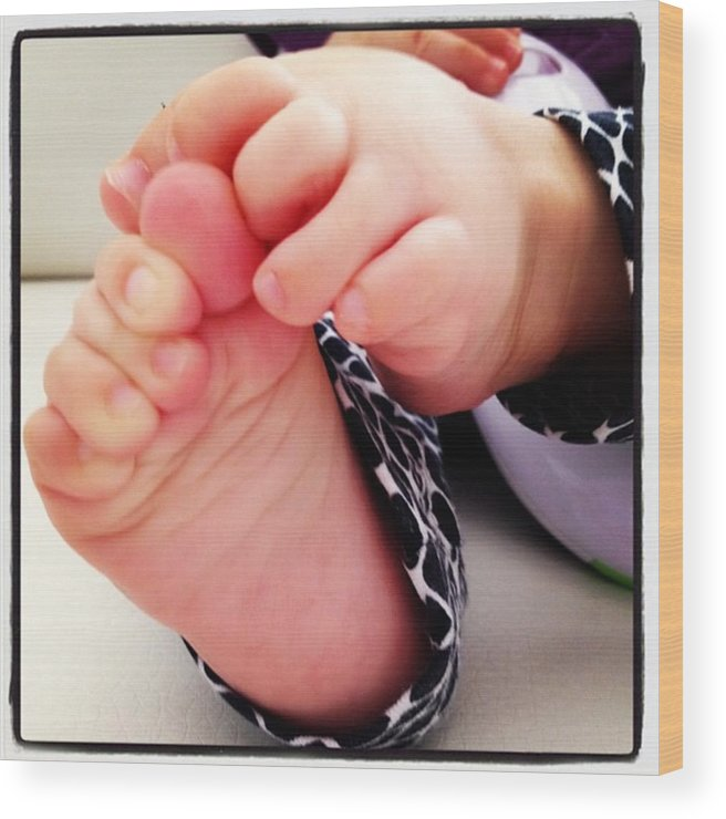 Kid Wood Print featuring the photograph Little Foots by Luisa Azzolini