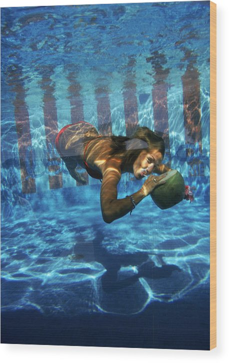Underwater Wood Print featuring the photograph Underwater Drink by Slim Aarons