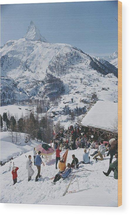 People Wood Print featuring the photograph Zermatt Skiing by Slim Aarons