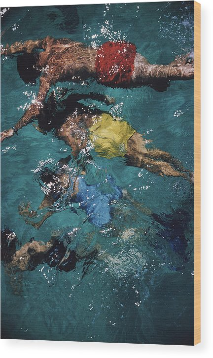 People Wood Print featuring the photograph Swimming In The Bahamas by Slim Aarons