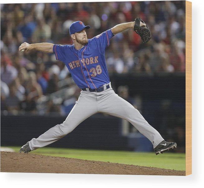 Atlanta Wood Print featuring the photograph New York Mets V Atlanta Braves by Mike Zarrilli