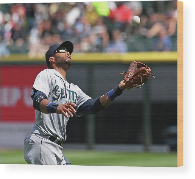 American League Baseball Wood Print featuring the photograph Seattle Mariners V Chicago White Sox by Jonathan Daniel