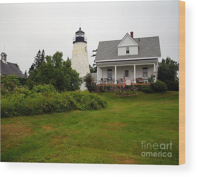 Dice Head Lighthouse Wood Print featuring the photograph Dice Head Lighthouse by Brenda Giasson