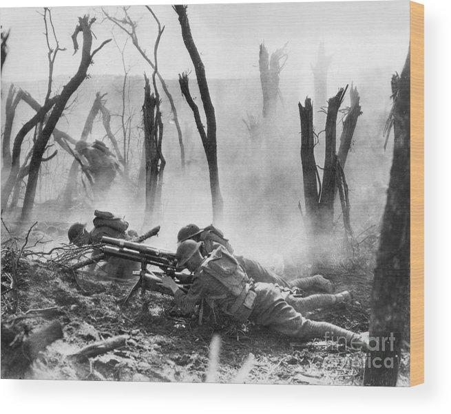 1918 Wood Print featuring the photograph World War I: Battlefield by Granger