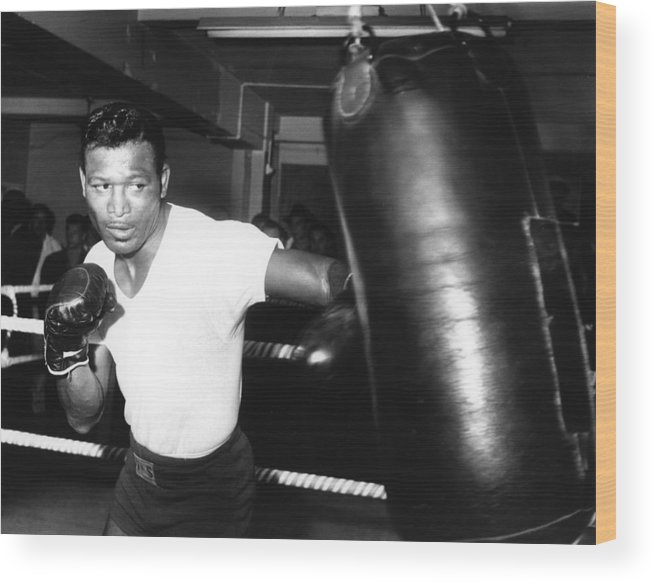 Event Wood Print featuring the photograph 1962 Boxing by Hulton Archive