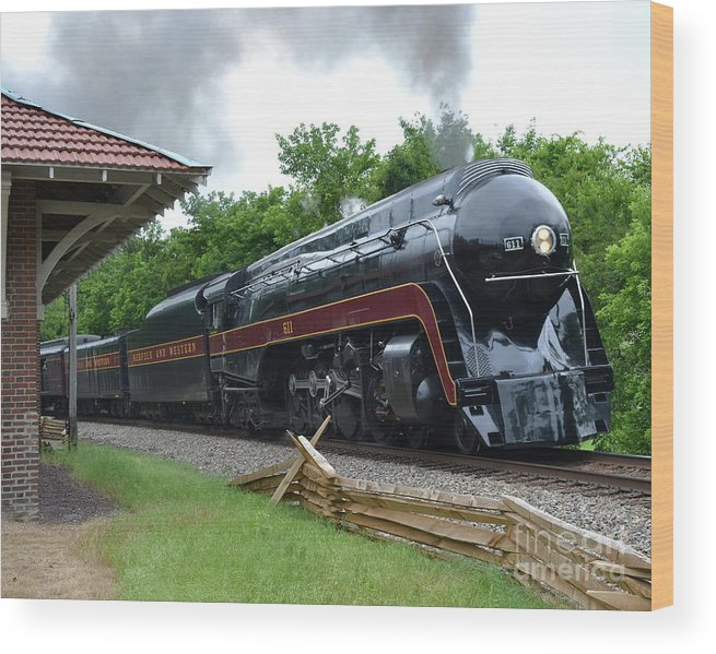 The Plains Wood Print featuring the photograph 611 Eastbound at The Plains by Steve Gass