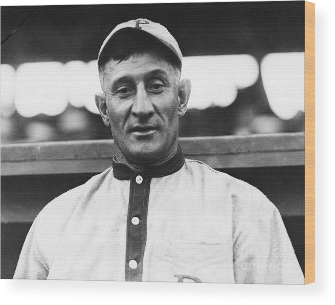 People Wood Print featuring the photograph Baseball Player Honus Wagner by Bettmann