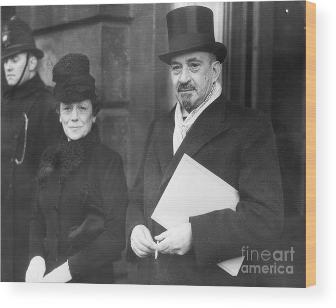 Palestinian Territories Wood Print featuring the photograph Chaim Weizmann And His Wife Vera by Bettmann