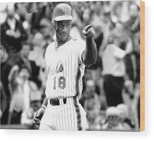 1980-1989 Wood Print featuring the photograph Darryl Strawberry Of The New York Mets by New York Daily News Archive