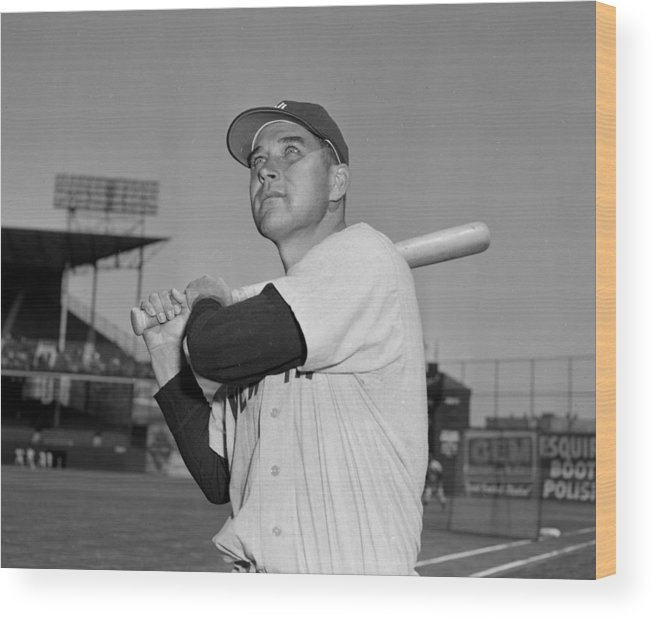 American League Baseball Wood Print featuring the photograph Eddie Robinson by New York Daily News