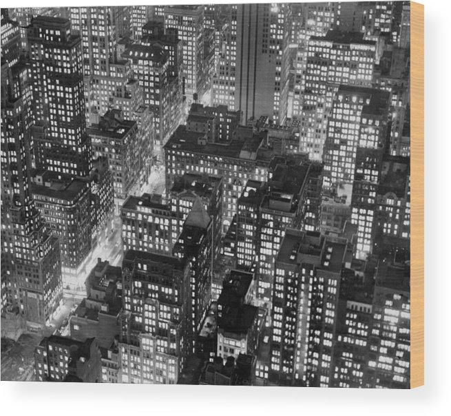 1950-1959 Wood Print featuring the photograph New York At Dusk From The Top Of The by New York Daily News Archive