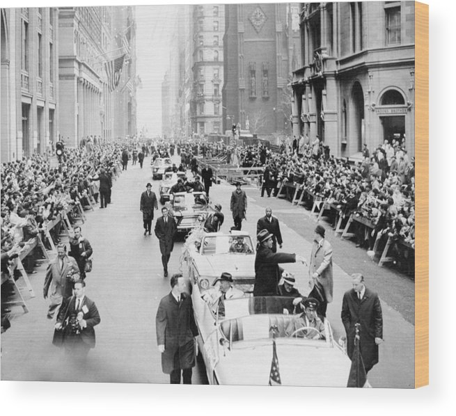 American League Baseball Wood Print featuring the photograph New York Mets Ride Up Lower Broadway by New York Daily News Archive