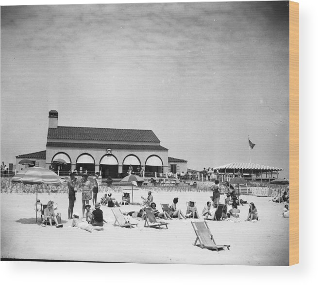 1950-1959 Wood Print featuring the photograph View Of Southampton Beach Club With by Bert Morgan