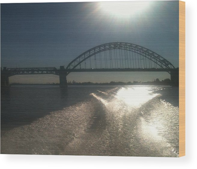 Hot Wood Print featuring the photograph Tacony/Palmyra Hot Summer Day 2 by Sheila Mashaw