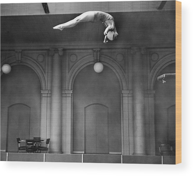 1 Person Wood Print featuring the photograph Champion Helen Crlenkovich by Underwood Archives