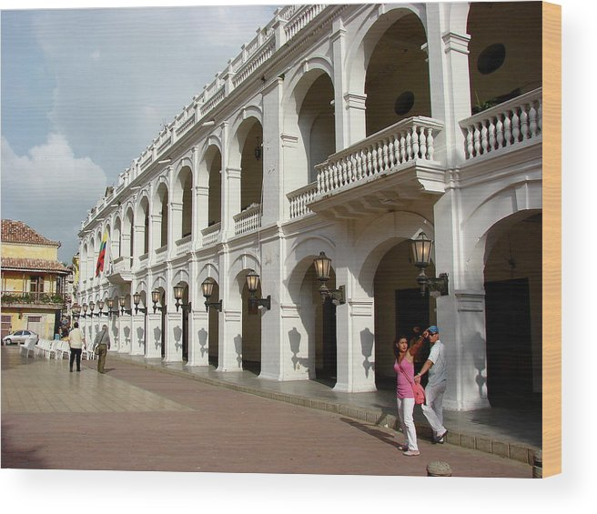 Colombia Wood Print featuring the photograph Colombia Courtyard by Brett Winn