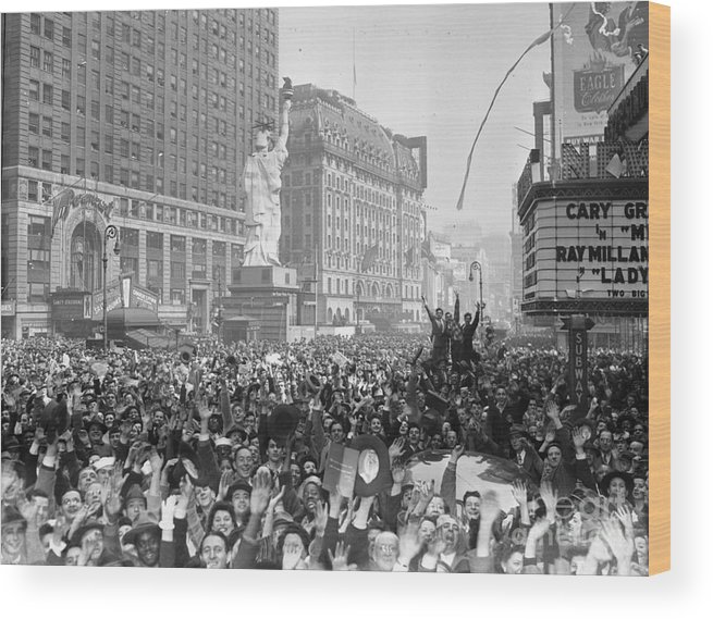 Crowd Of People Wood Print featuring the photograph Celebrants In Times Square On V-e Day by Bettmann