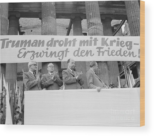 People Wood Print featuring the photograph East German Ministers Applauding by Bettmann