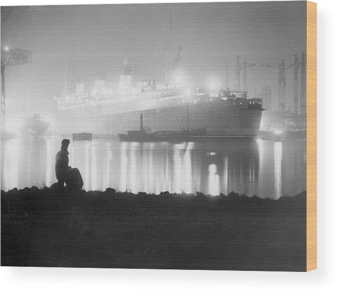 Working Wood Print featuring the photograph Overtime by Martin