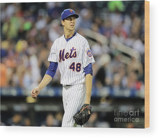 Jacob Degrom Wood Print featuring the photograph Jacob Degrom by Elsa