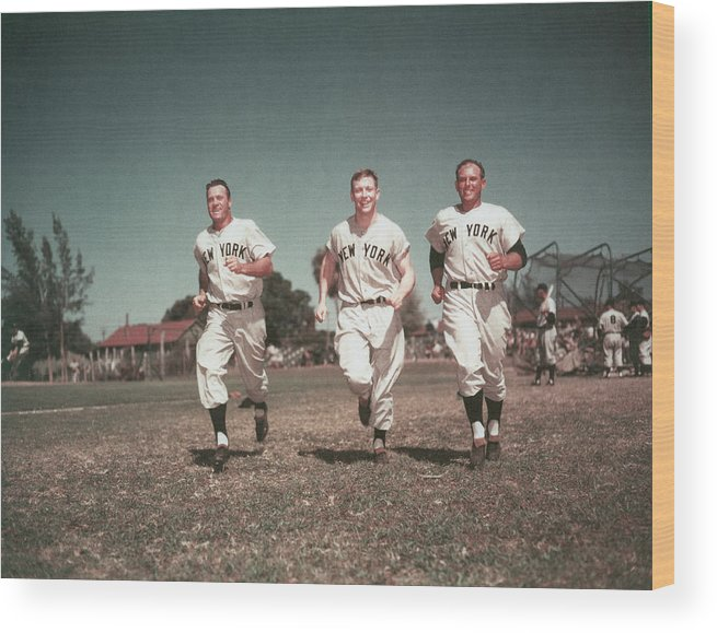American League Baseball Wood Print featuring the photograph Mickey Mantle by Hulton Archive