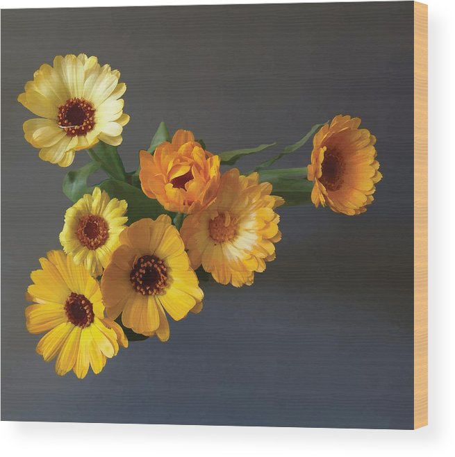 Arrangement Wood Print featuring the digital art Gerbera bouquet by Adrian Bud