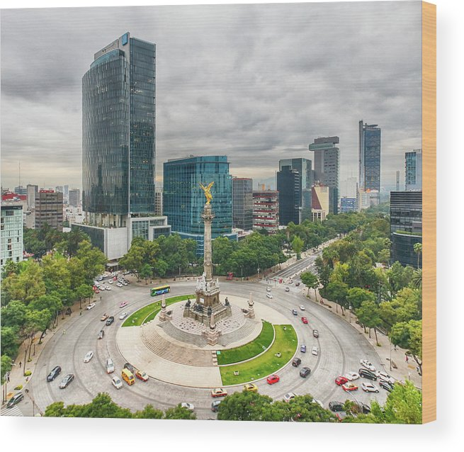 Mexico City Wood Print featuring the photograph The Angel Of Independence, Mexico City by Sergio Mendoza Hochmann