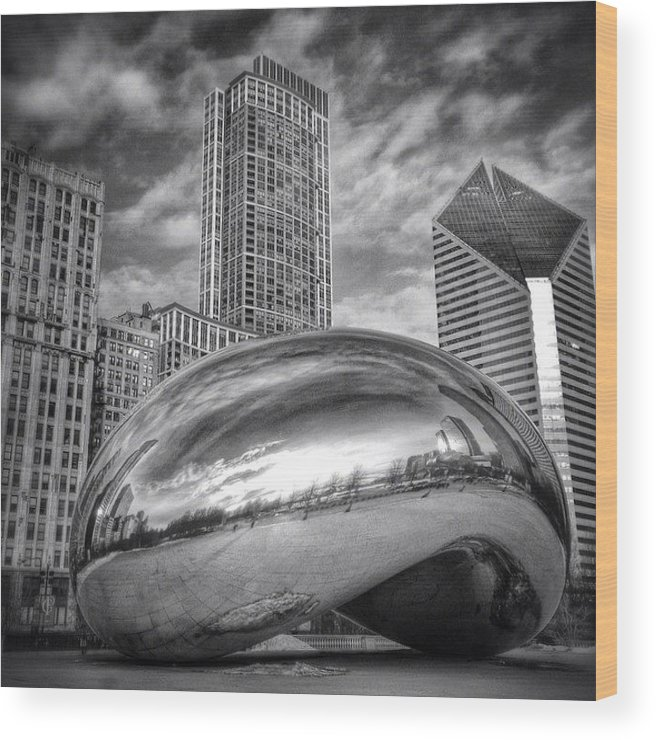 America Wood Print featuring the photograph Chicago Bean Cloud Gate HDR Picture by Paul Velgos