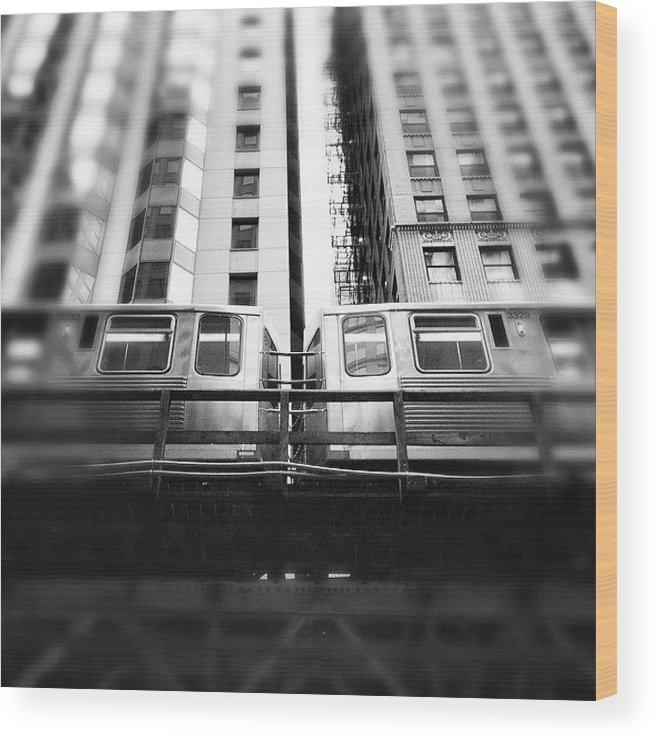 America Wood Print featuring the photograph Chicago L Train In Black And White by Paul Velgos
