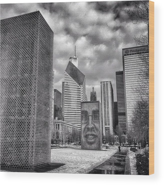 America Wood Print featuring the photograph Chicago Crown Fountain Black and White Photo by Paul Velgos