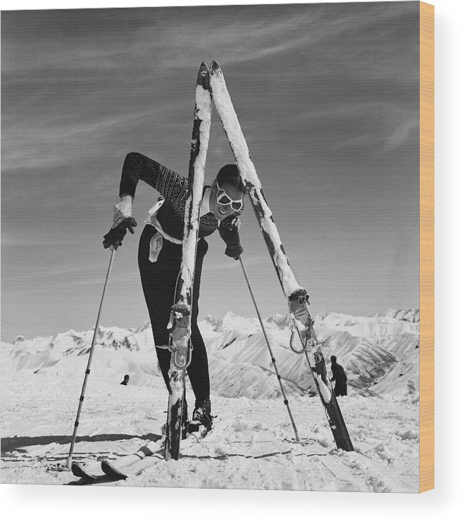 Beauty Wood Print featuring the photograph Marian Mckean With Skis by Toni Frissell