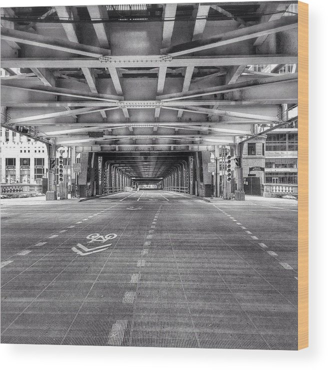 America Wood Print featuring the photograph Chicago Wells Street Bridge Photo by Paul Velgos