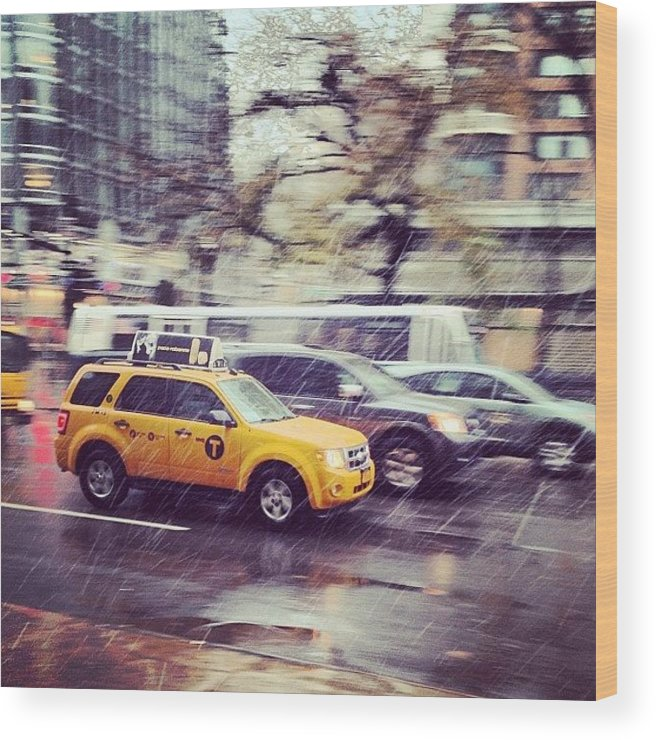 Europe Wood Print featuring the photograph Snow In Nyc by Randy Lemoine