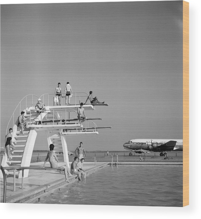 People Wood Print featuring the photograph Ezeiza Airport, Argentina by Michael Ochs Archives