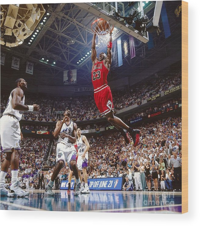 Chicago Bulls Wood Print featuring the photograph Michael Jordan Attempts A Dunk by Nathaniel S. Butler