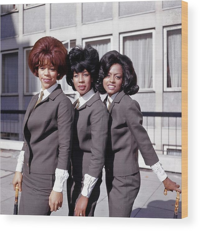 Mary Wilson Wood Print featuring the photograph Photo Of Supremes And Florence Ballard by Ca