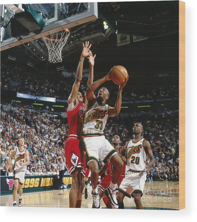 Nba Pro Basketball Wood Print featuring the photograph Hersey Hawkins and Scottie Pippen by Nathaniel S. Butler