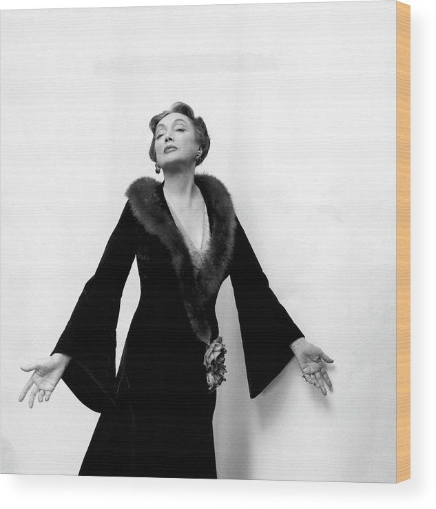Actress Wood Print featuring the drawing Katharine Cornell Wearing a Cecil Beaton Gown by Cecil Beaton