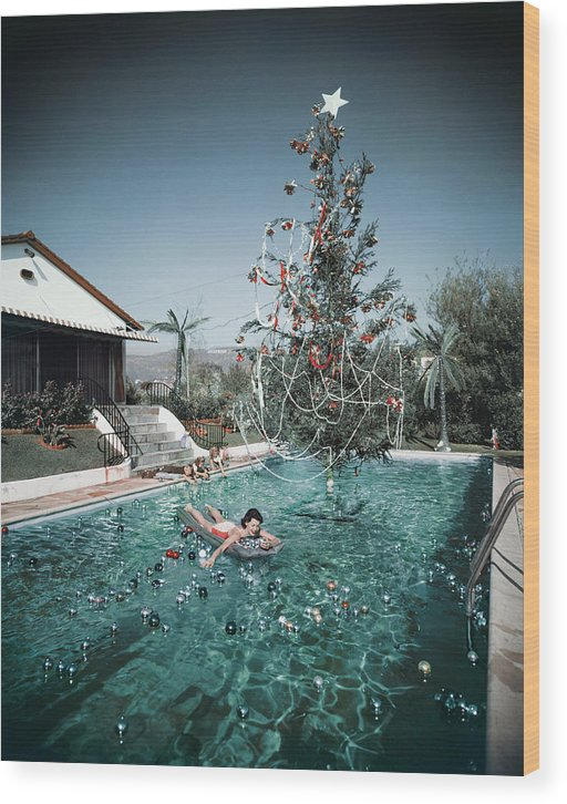 People Wood Print featuring the photograph Christmas Swim by Slim Aarons