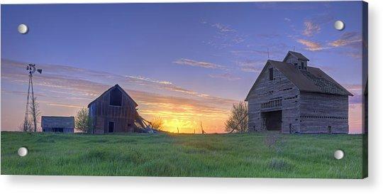 Abandoned Farmhouse And Barn At Sunset Acrylic Print