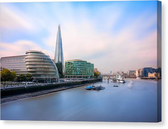 Belfast Canvas Print -  A Thames View - London by Ian Hufton