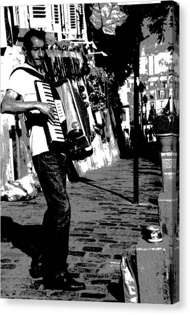 Accordioniste Canvas Print